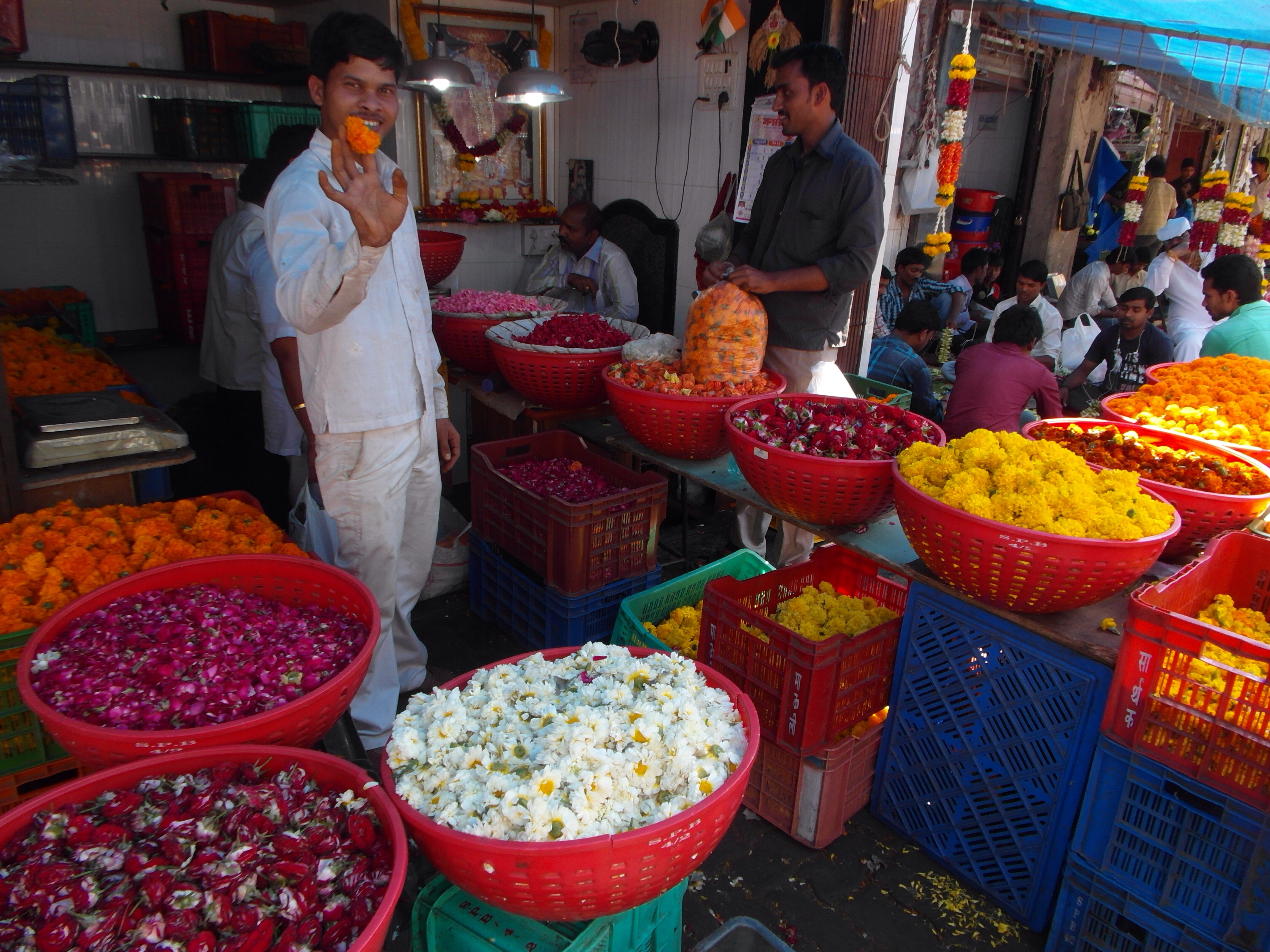 Workers in the flower market are predominantly male (Mumbai India)